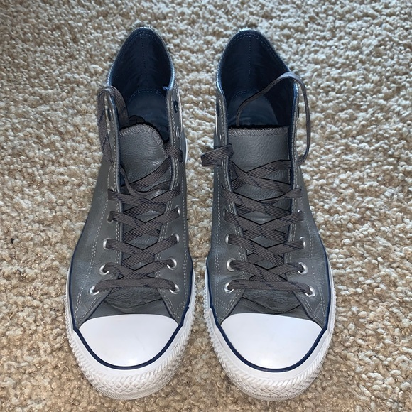 Gently used high top men's converse